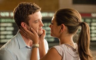 Как сказать мужчине, что хочешь его: 10 способов выразить желание