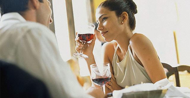 О чем можно говорить с девушкой на первой встрече: подборка тем