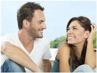 Как привлечь внимание парня: методы, уловки и правила