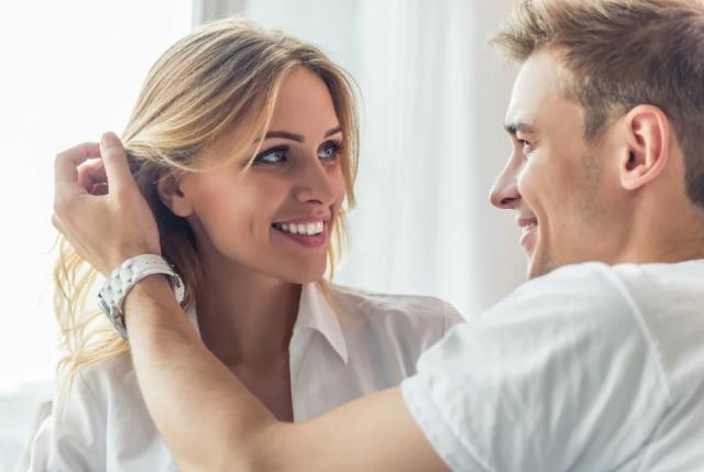 Весы-мужчина: описание знака и женщин, которые ему нравятся