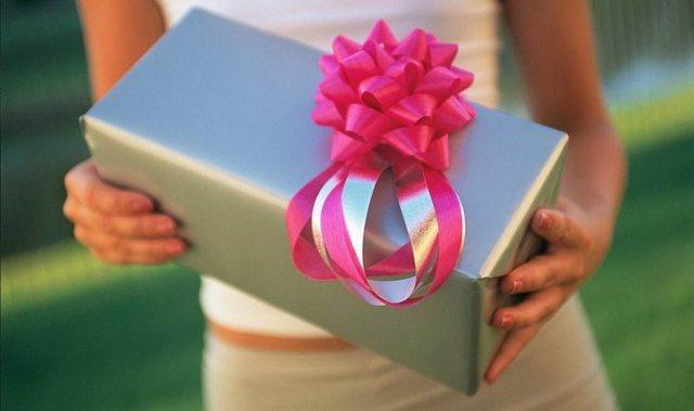 Что подарить девушке на 25 лет: любимой, дочери, подруге и коллеге