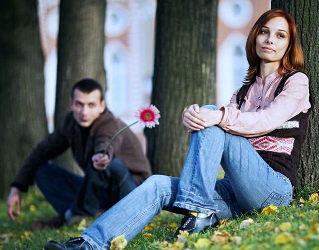Как понять, что разлюбила парня: причины, способы проверки
