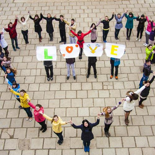 Признание в любви девушке: способы и лучшие идеи