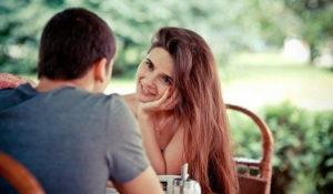 Как намекнуть девушке, что она мне нравится: лучшие способы