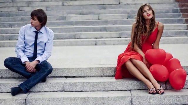 Девушка постоянно обижается по пустякам: что делать, причины