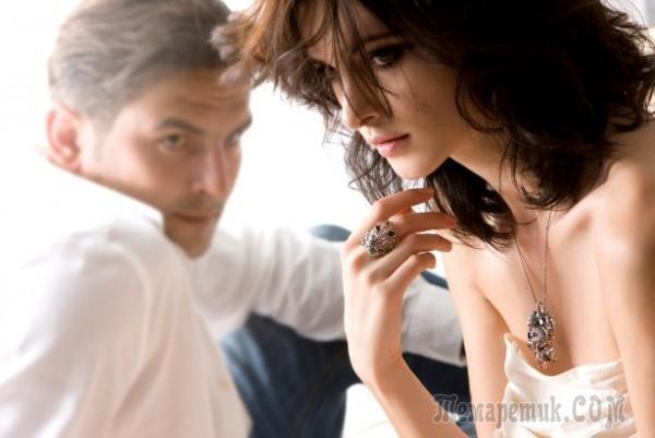 Как доказать парню, что ты его любишь: слова и поступки