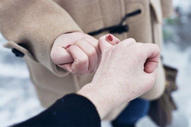 Как извиниться перед девушкой: советы по выбору варианта