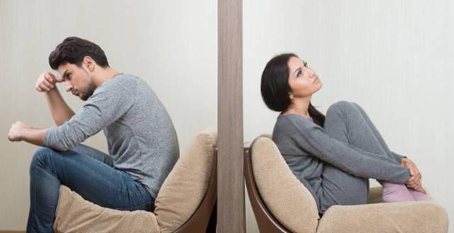 Мужчина боится женщину, в которую влюблен: причины и решения