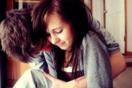 Как намекнуть парню, что он мне нравится: как дать понять о чувствах