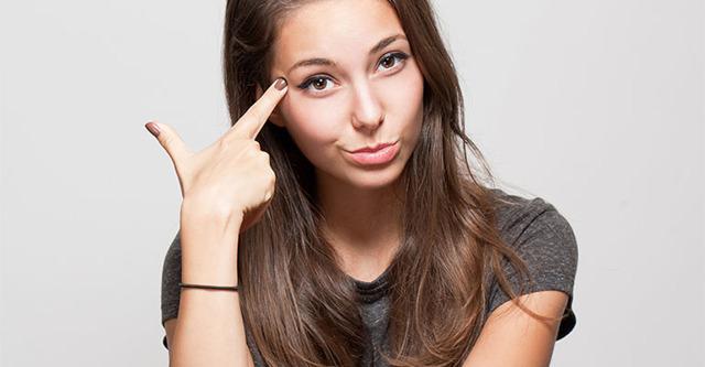 Что делать, если девушка не хочет общаться: причины и решения