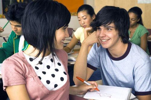 Как влюбить в себя мальчика: правила поведения и советы психологов