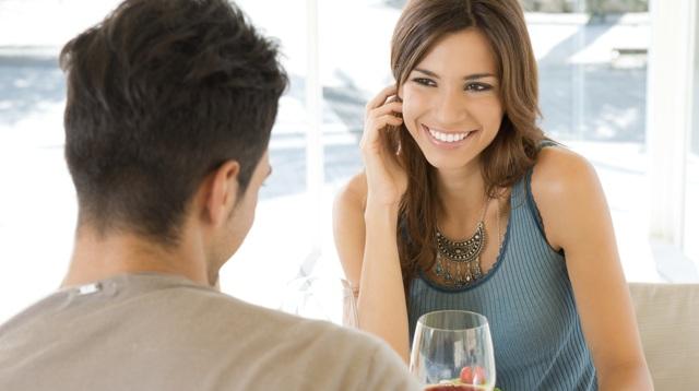 Как понять, что девушка тебя хочет: признаки возбуждения