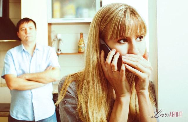 Измена с подругой жены: причины, последствия и профилактика