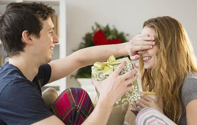 Что подарить жене на 30 лет: критерии выбора, советы, лучшие идеи