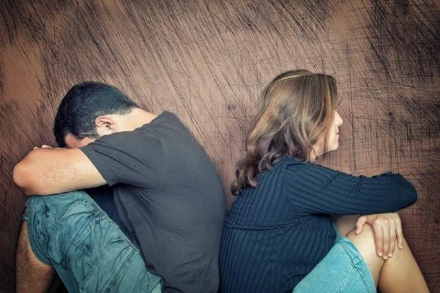Как сохранить семью на грани развода: способы спасения отношений