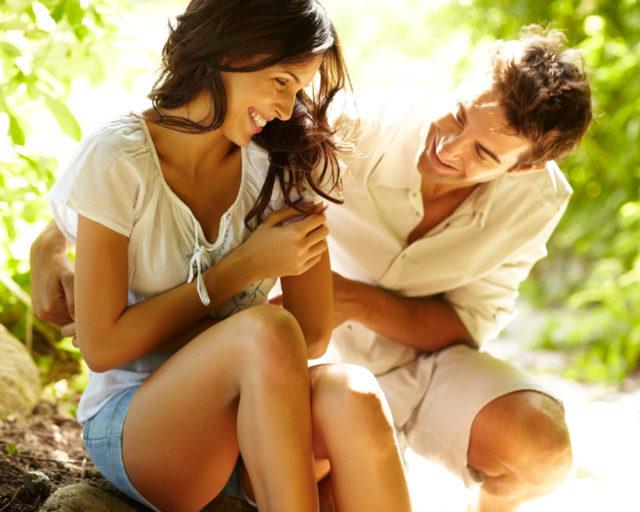 Как понять, что парень тебя хочет: признаки мужского влечения