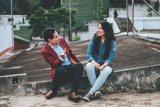 О чем поговорить с девушкой: лучшие темы для общение