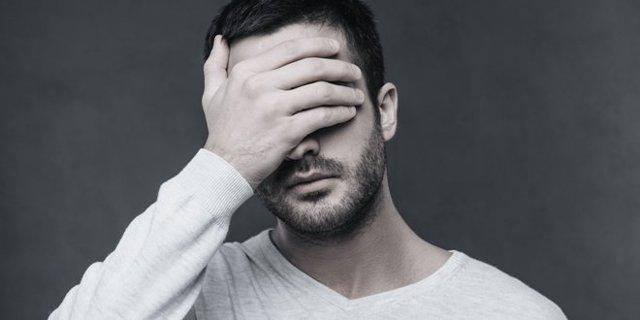 Парень возвращается после расставания: мысли и чувства мужчин