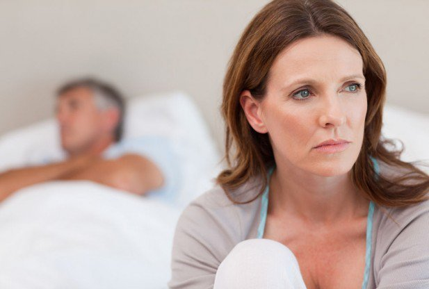 Женская ревность: причины, признаки, способы борьбы с недоверием