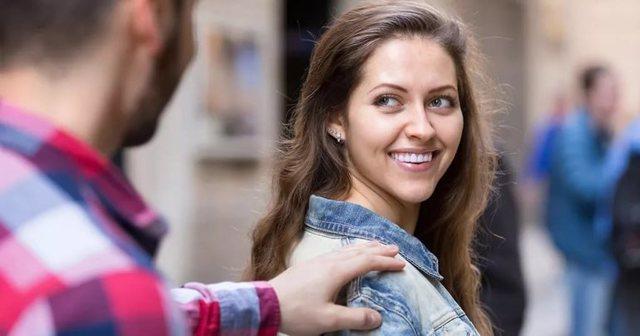 Как познакомиться с девушкой: оптимальные места для общения